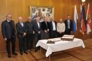 08.03.2019 - 68er FCN-Meisterspieler tragen sich in goldenes Buch ein